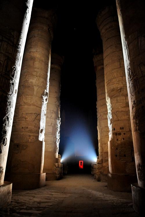 Karnaktemplet by night.