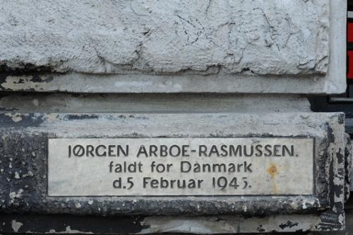 Mindetavle for modstandsmanden Jørgen Arboe-Rasmussen.