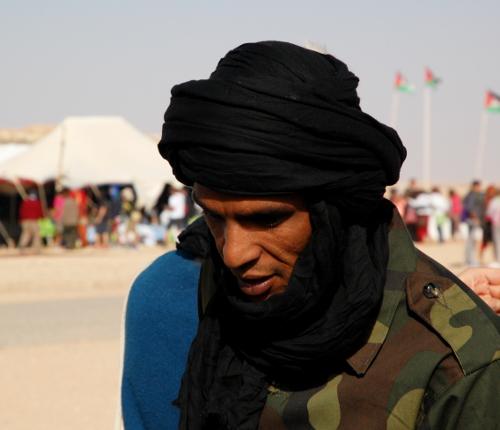 På Sahrawiske Arabiske Demokratiske Republiks nationaldag var der parade i flygtningelejren Smara.