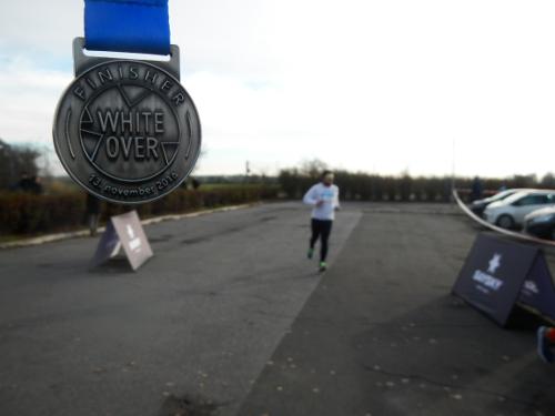 WhiteOver løbet; det må være en lokal pre-teen der næsten har lært engelsk som har fundet på det navn.